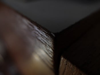 Ecke eines Tisches