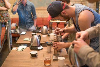 Felix Hohlmann – was er wohl in seinen Kaffee gemischt hat, dass er so gut schmeckt?